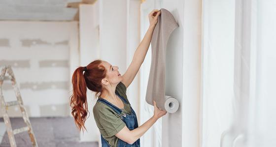 ¿Cómo poner papel tapiz en las esquinas? Guía paso por paso