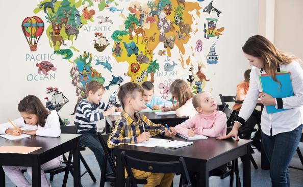 Fotomural la escuela con un mapa
